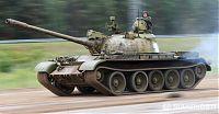 Танк Т-62 на марше