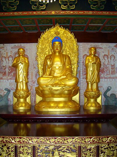 Статуи Буддийского храма